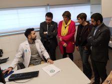 Visita de membres de la Generalitat al CAP de Les Indianes